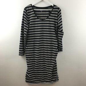 4/$25 Old Navy Maternity Dress